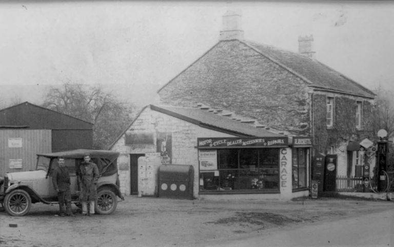 1920s photo of Wallmead Motors Garage